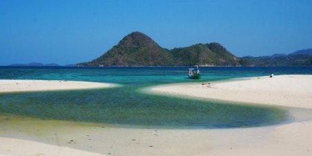 pantai indah pulau bawean, pantai noko selayar